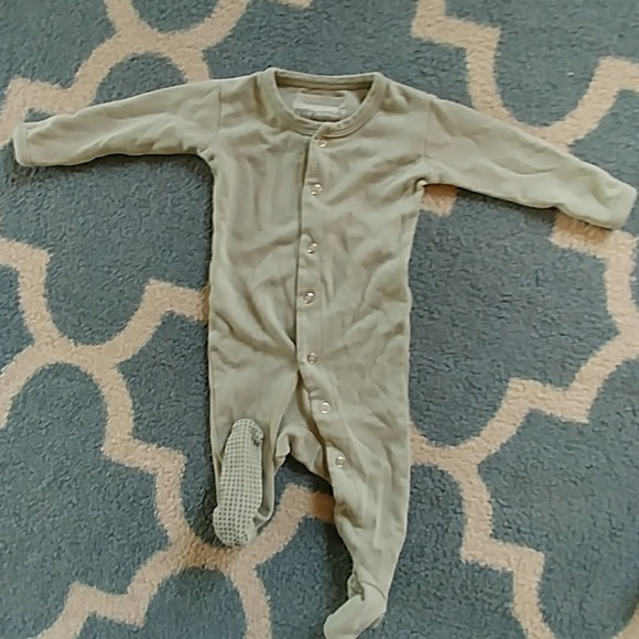 95e700b278 L ovedbaby Other - L oved baby seafoam 3-6 mo footed onsie